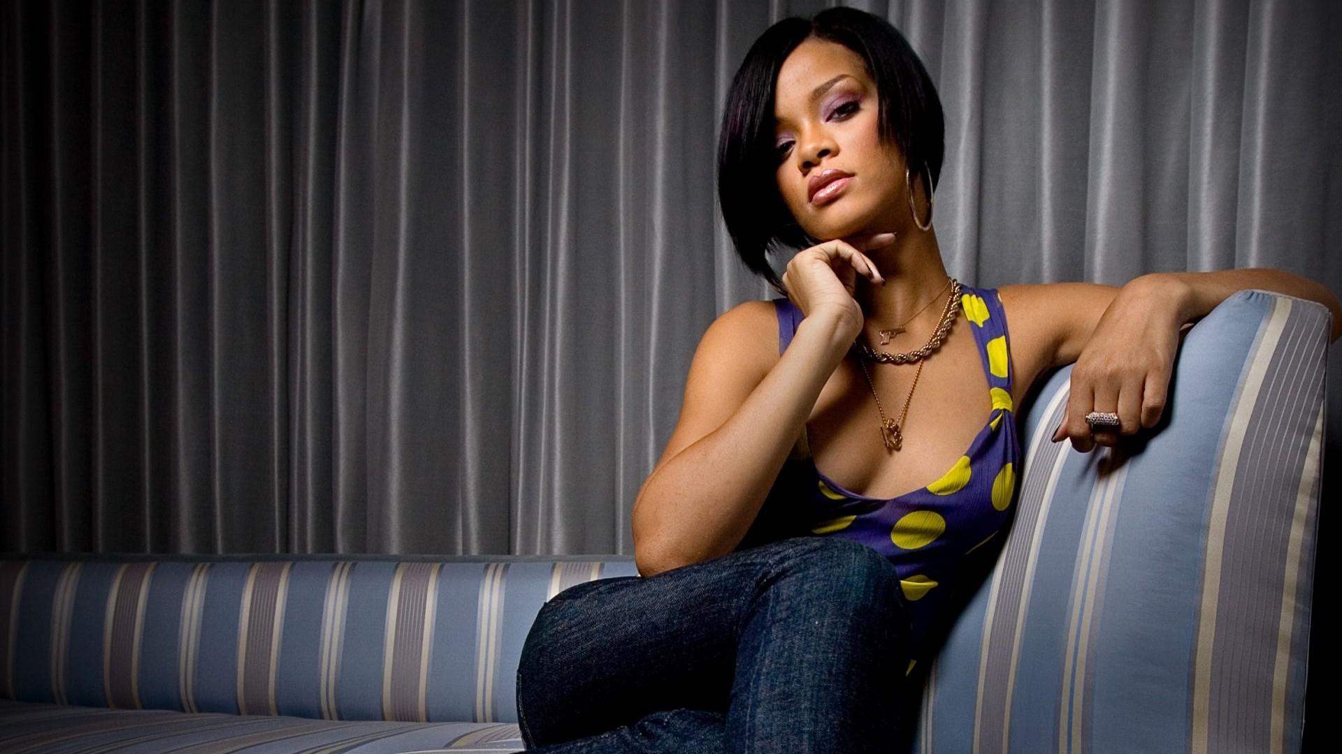 Rihanna_1