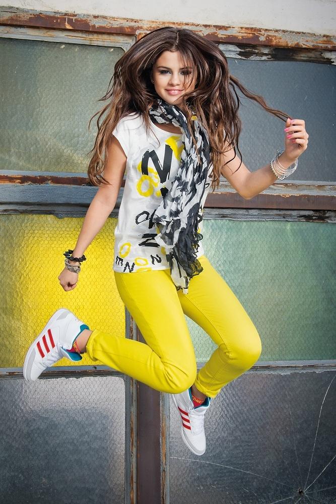 Selena_Gomez_Puma_3